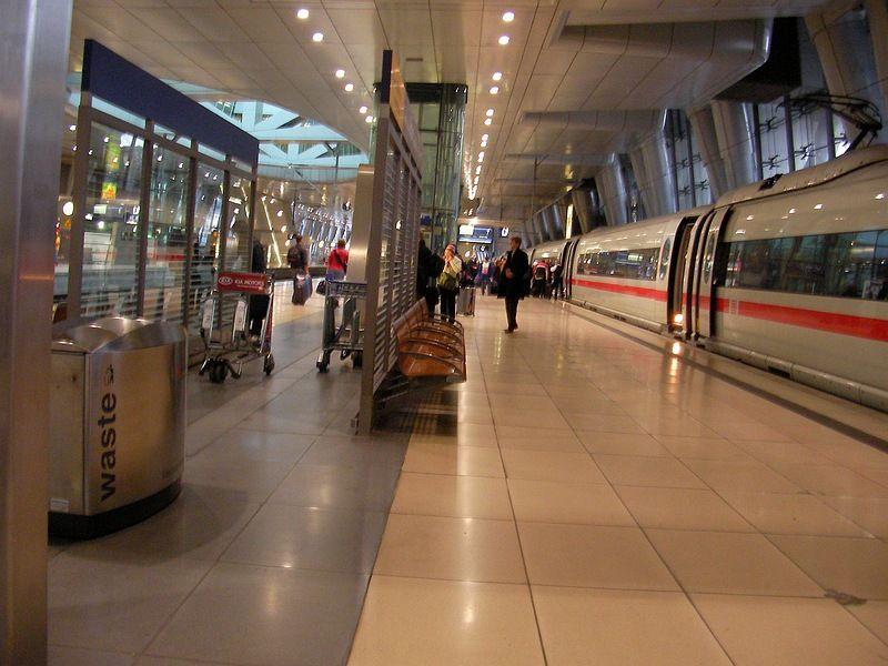 Bahnhof.JPG