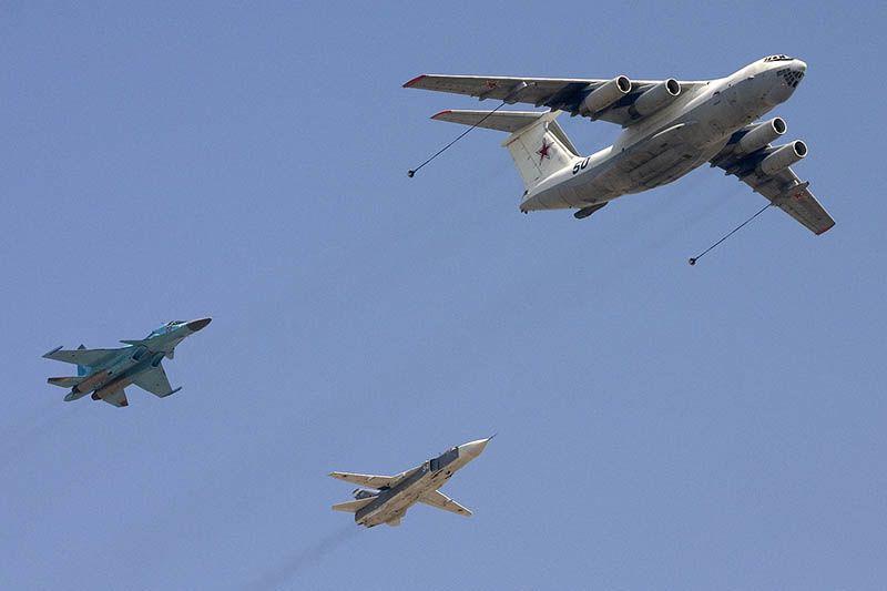 Il-78M tanker and Su-24 Su-34 800.jpg