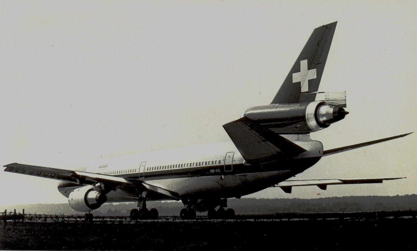 HB-IHL DC10-30 Swissair (1990, SVO).jpg