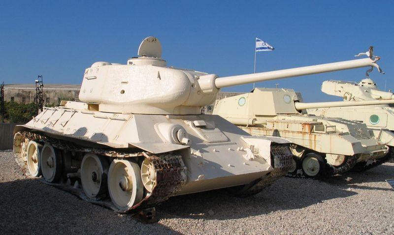 800px-T-34-85-latrun-1.jpg