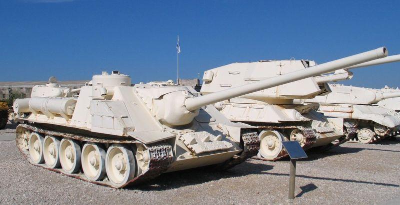 800px-SU-100-latrun-2.jpg