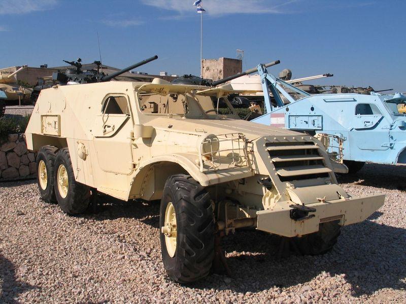 800px-BTR-152-latrun-2.jpg