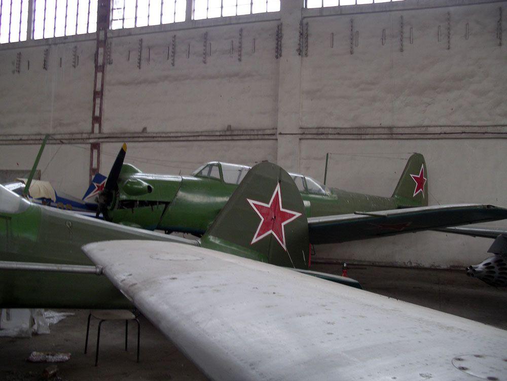 Як-18У.jpg