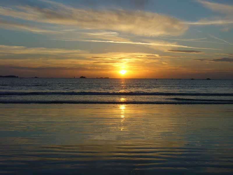 St-Malo ocean and sunset.JPG