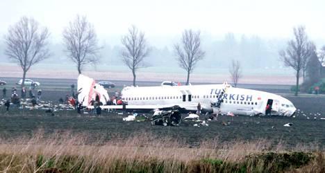 Boeing_737_Turkish__199133b.jpg
