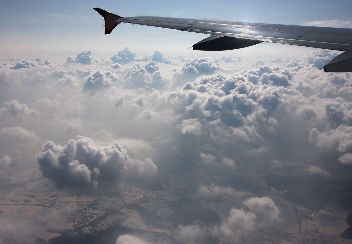 A320-AFLT-VQ-BAY-cumulusclouds-2.jpg