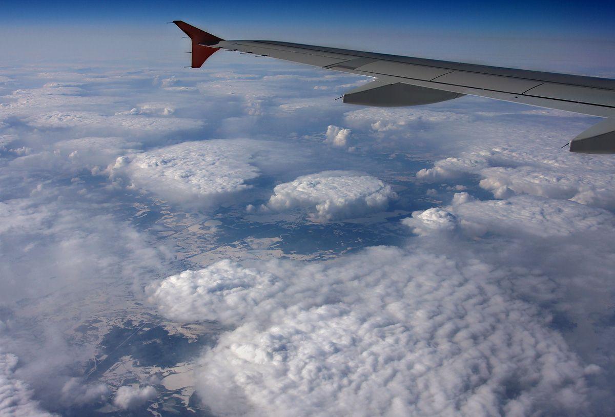A320-AFLT-VQ-BAY-cumulusclouds-valday.jpg