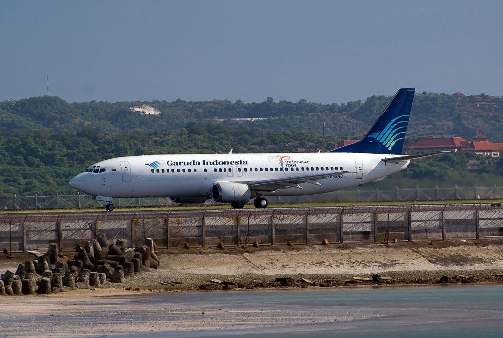 Garuda Indonesia Boeing 737-4U3.jpg
