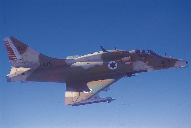 skyhawk001.jpg