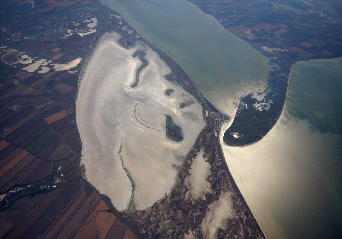 aerial-020908-beisugsky-liman-solonchak.jpg