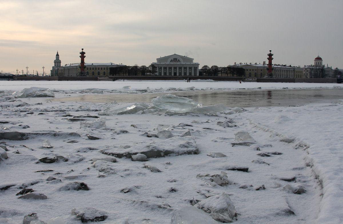 SPb-day-Strelka-Iceside.jpg