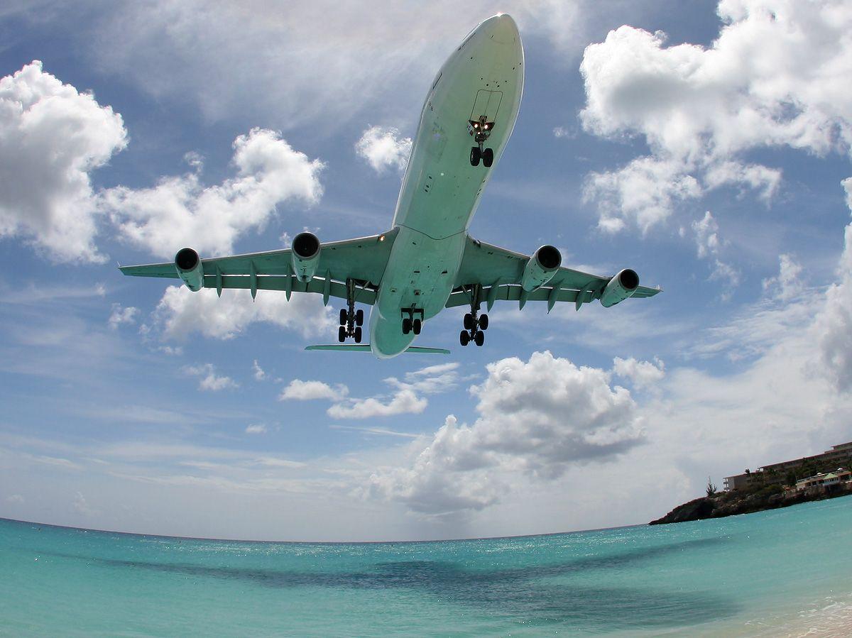 SXM-A340-AF-F-GLZL-appr-close-2904.jpg