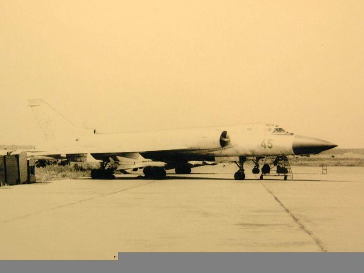 ТУ-128 Борт.45.jpg