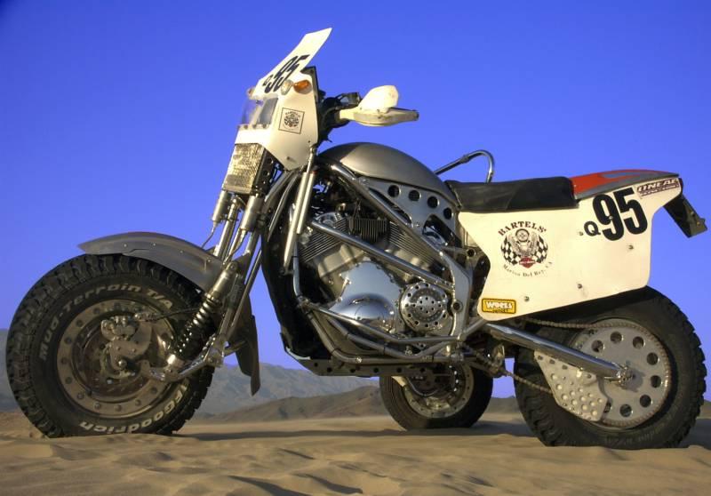 Dakar_Sidecar_Left_Vrod_054x800.jpg