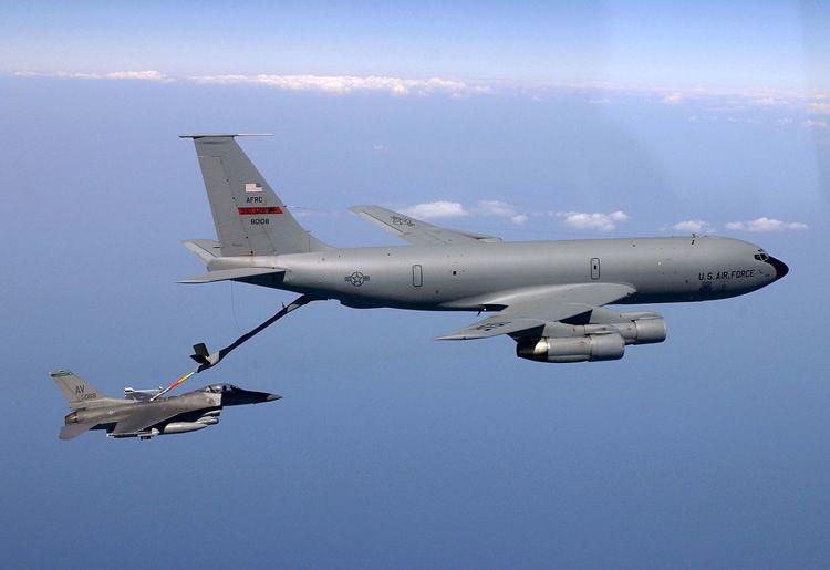 kc-135-tanker-refueling-f-16.jpg