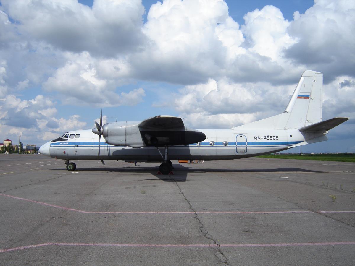Ан-24РВ 46505 а-к Авиалинии Мордовии.jpg