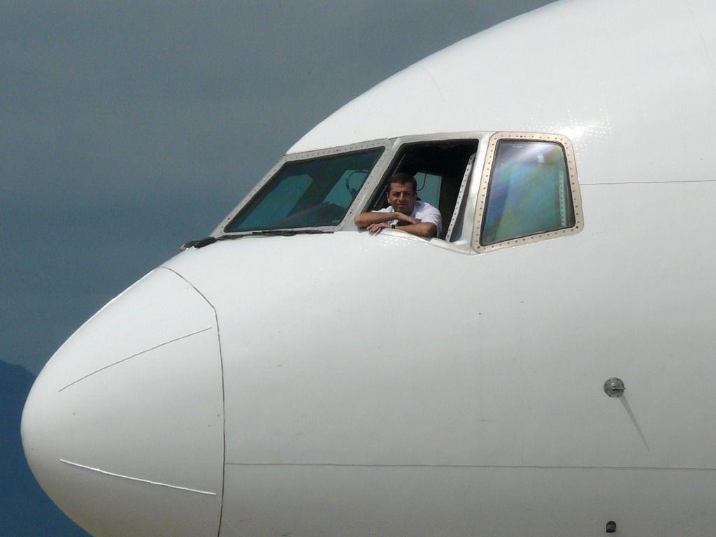 Crew 777-1.jpg