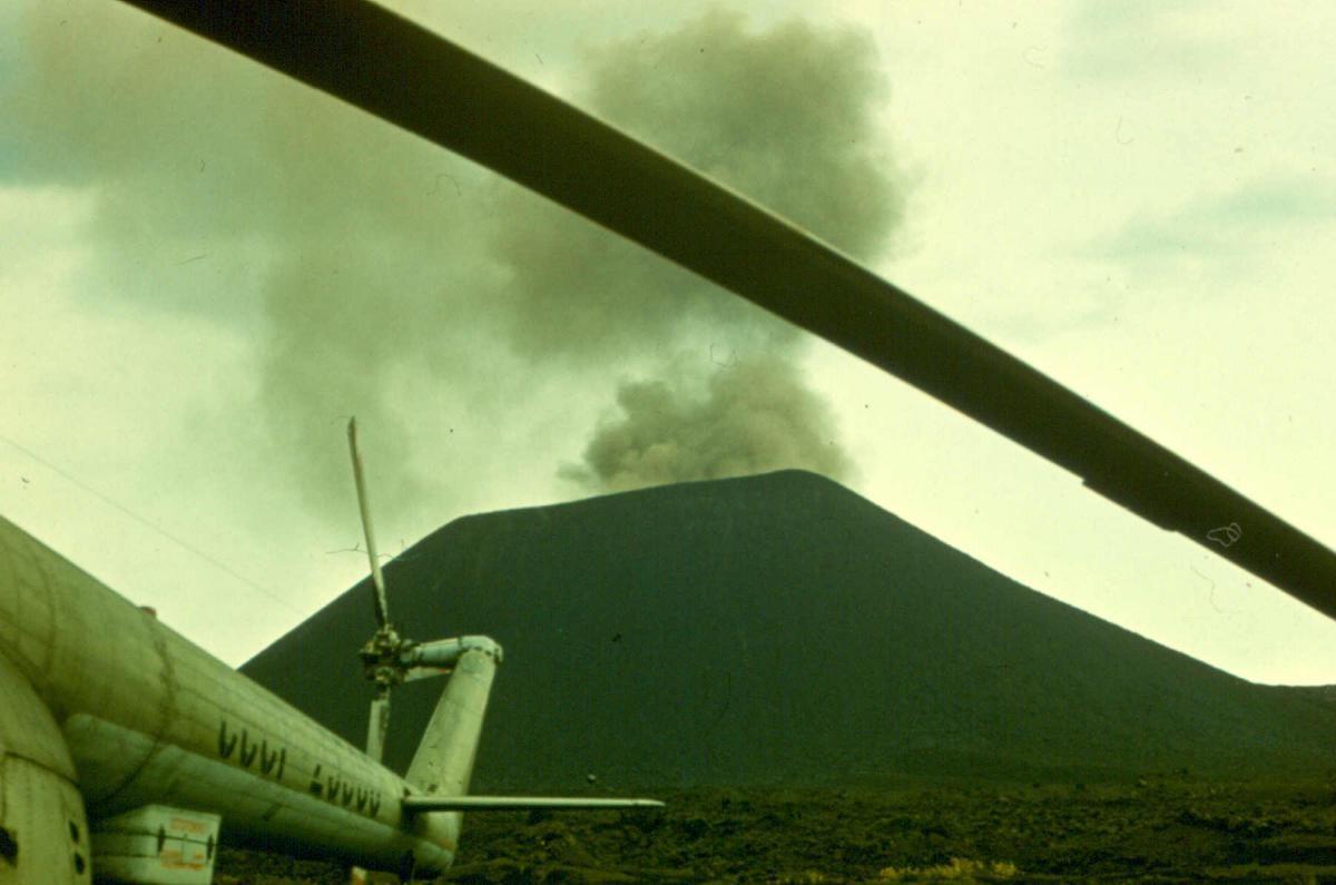 Е-Толбачик, хвост Ми-8.jpg