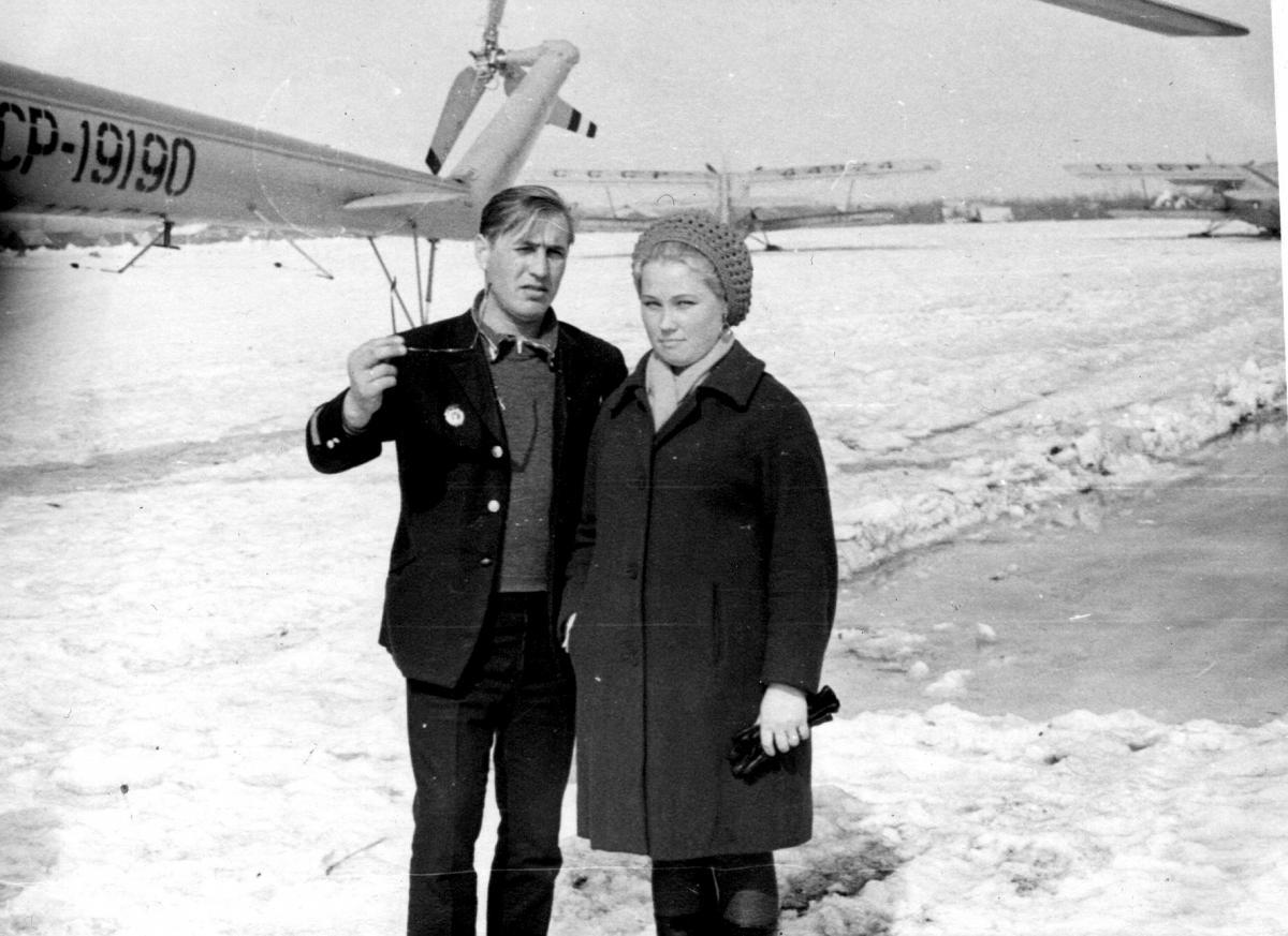 Зиновьев В.М. ,Валентина-оп эссо ,в Мильково 1972г..jpg