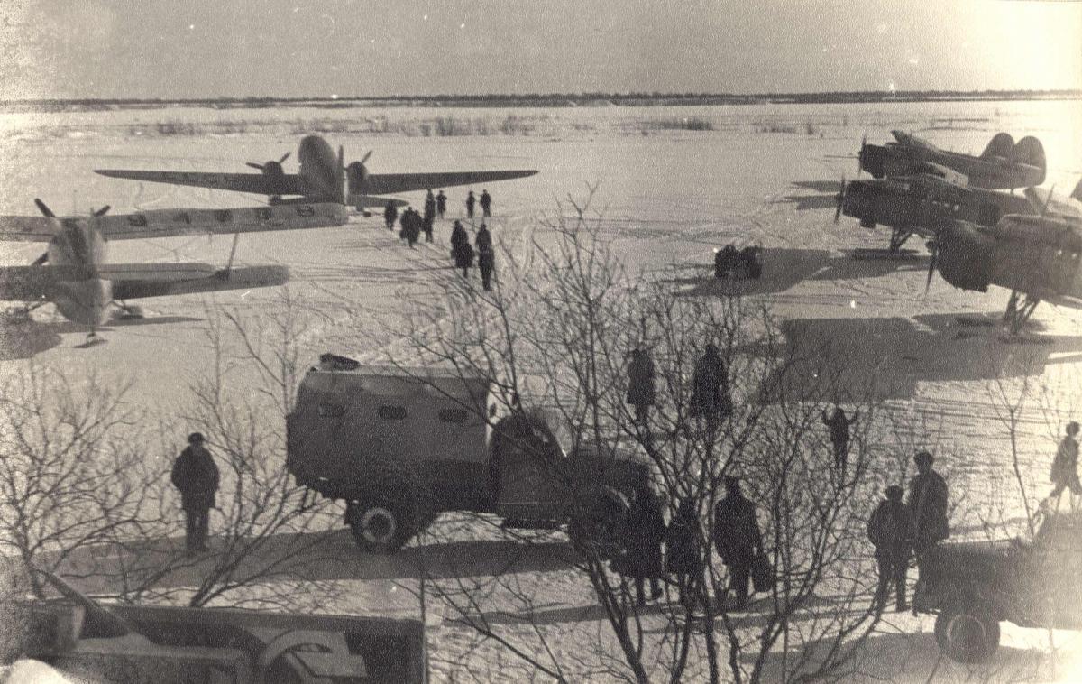 Ли-2 , Ан-2 , Соболево.jpg