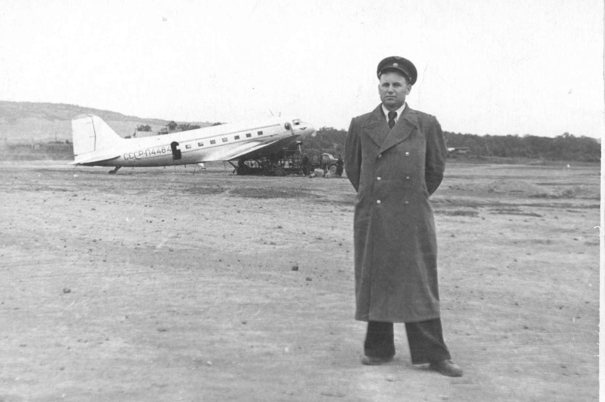 Музей , Ли-2, Тельненко П.М. Нач. АМСГ Хлкт..jpg