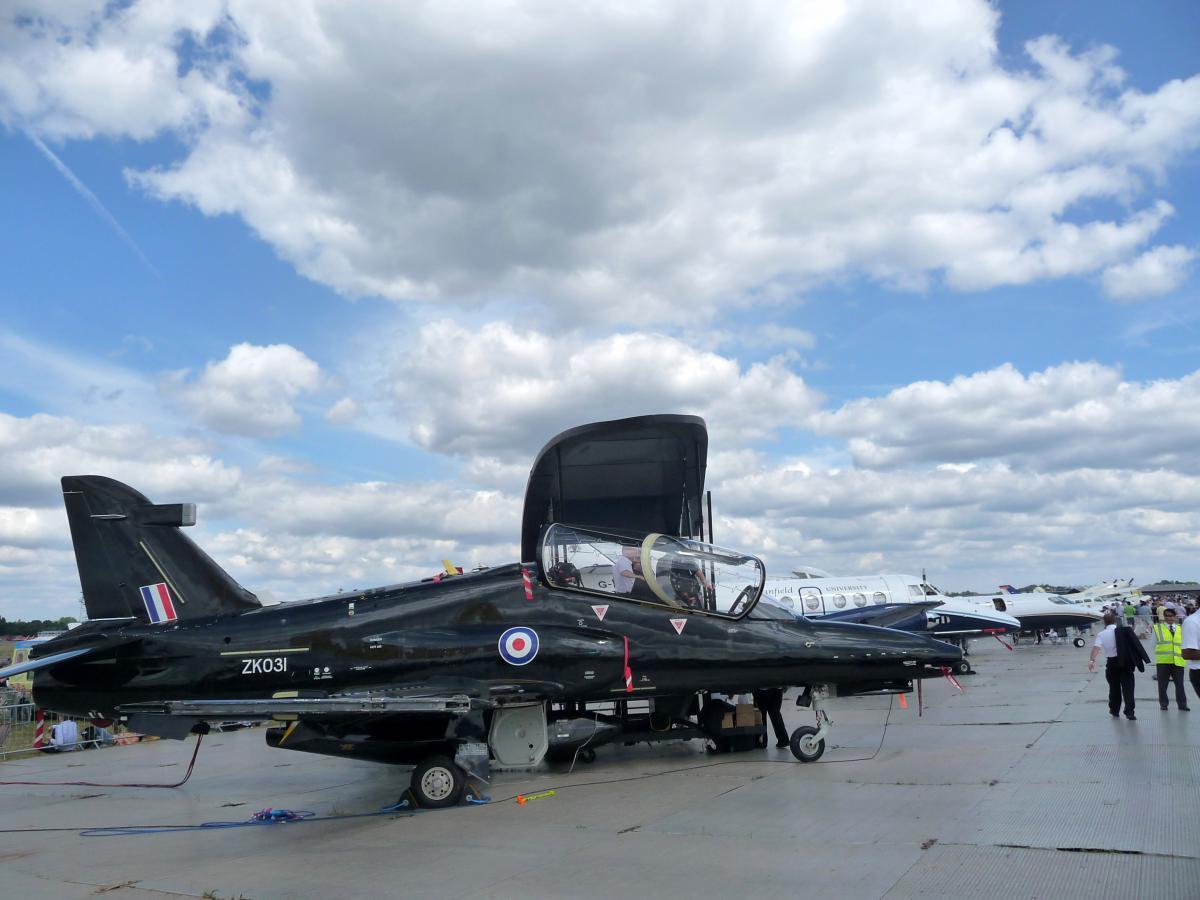 Hawk T2.jpg