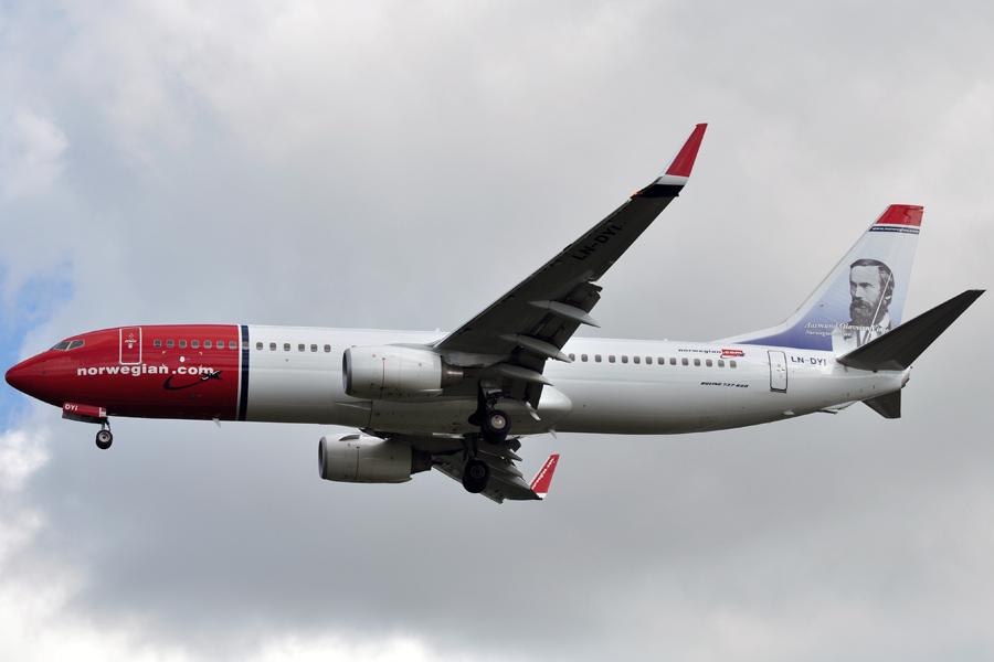 1norwegian 737-800.jpg