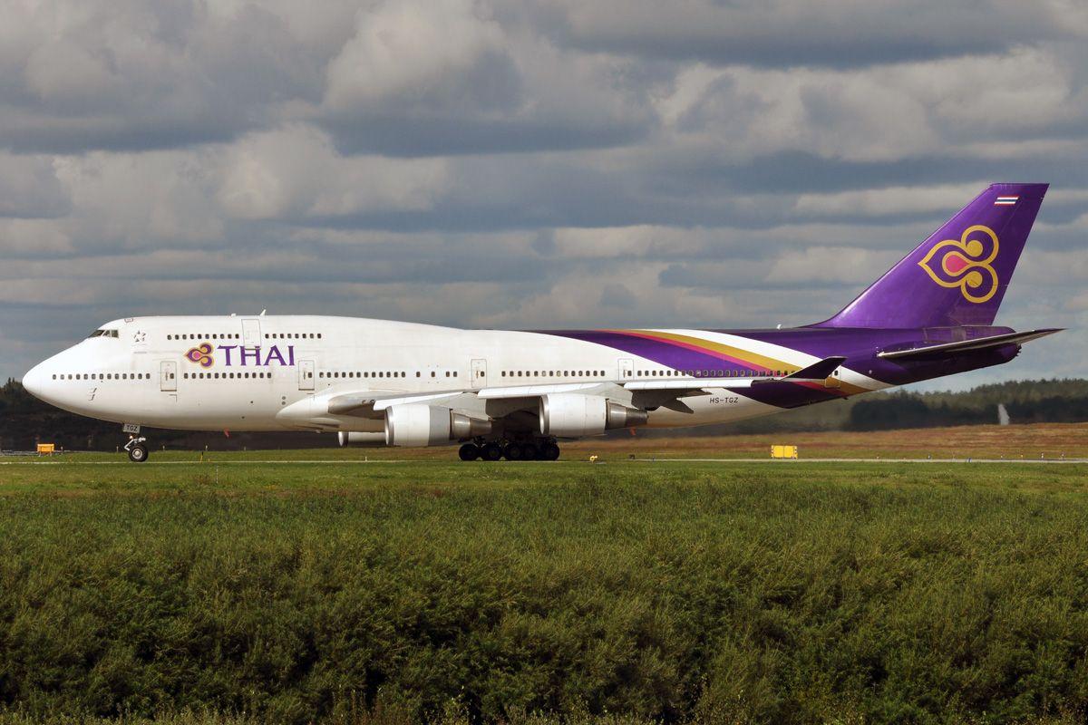 HS-TGZ - Boeing 747-4D7 - Thai Airways.jpg