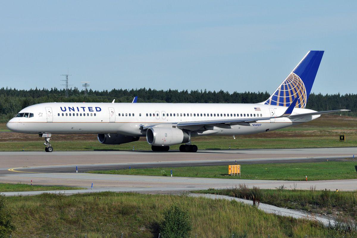 United 767.jpg
