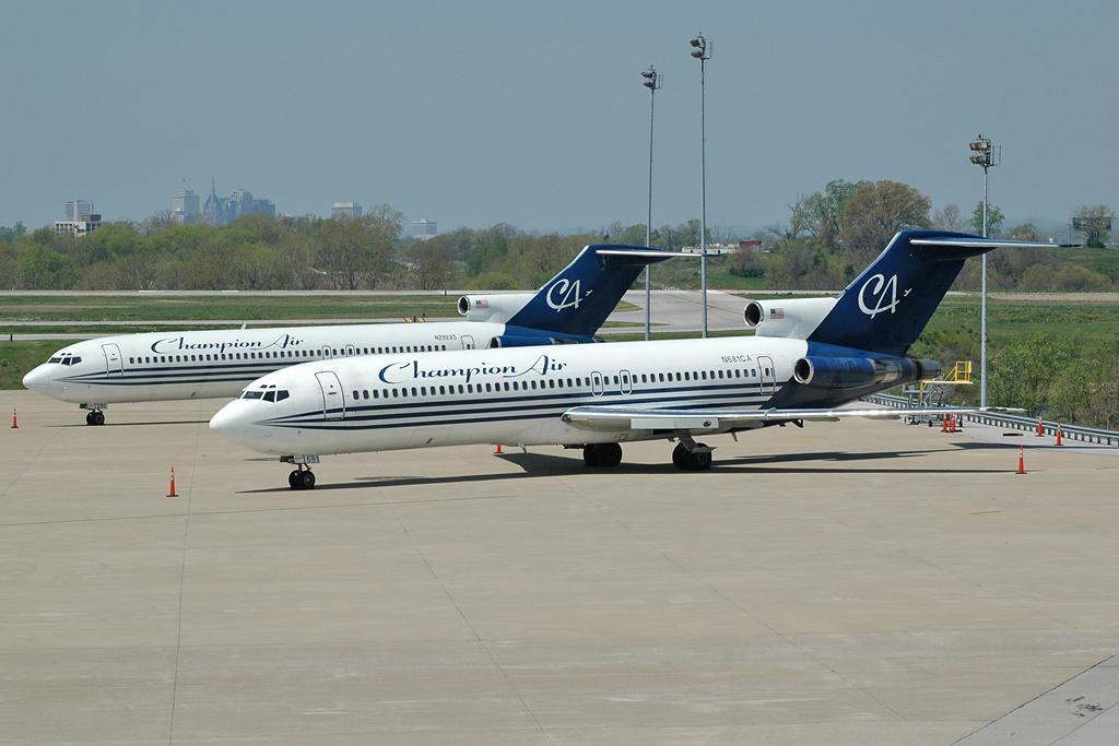 B-727-200, N681CA.JPG