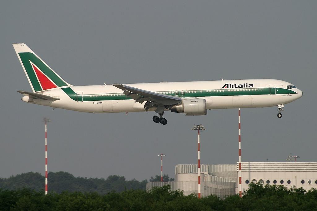 B-767-300ER, EI-CRM.JPG