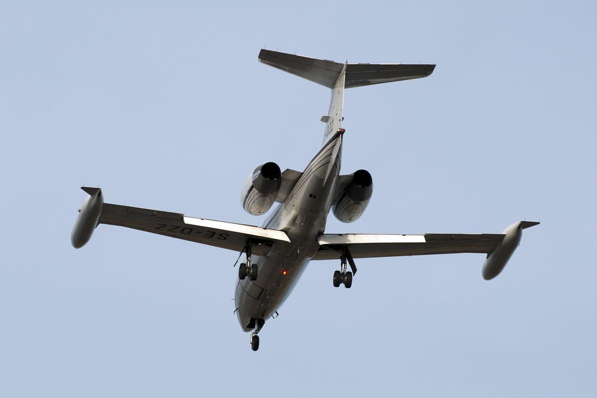 SE-DZZ Lear Jet 35A East Air 35A-415.jpg