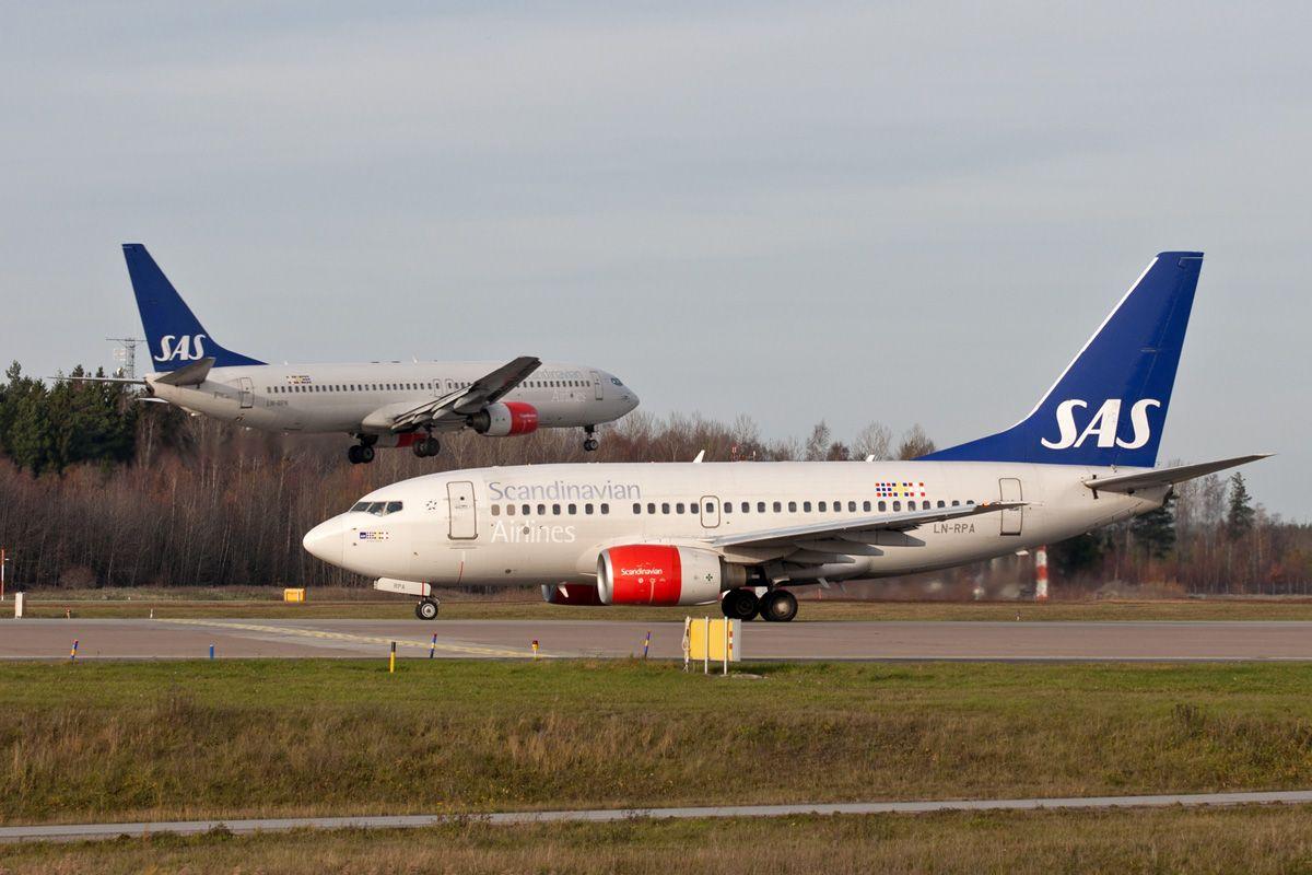 SAS B737 LN-RPA.jpg