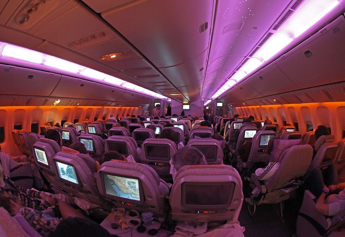 B773-Emirates-cabin-morning.jpg