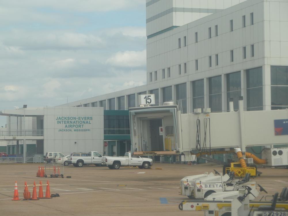 Jackson airport.JPG
