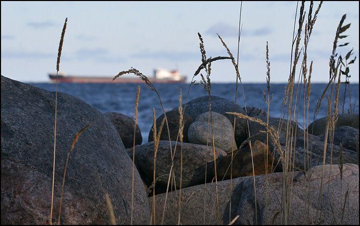 ladoga-ship-stones.jpg