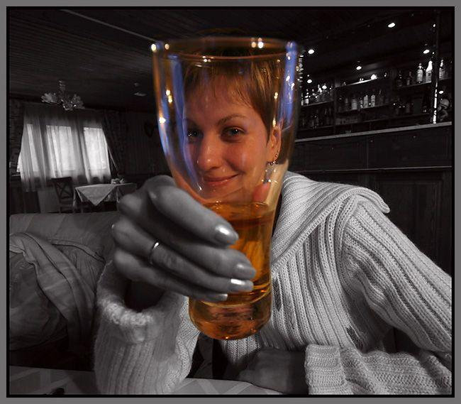 olyamur-glass-phs.jpg