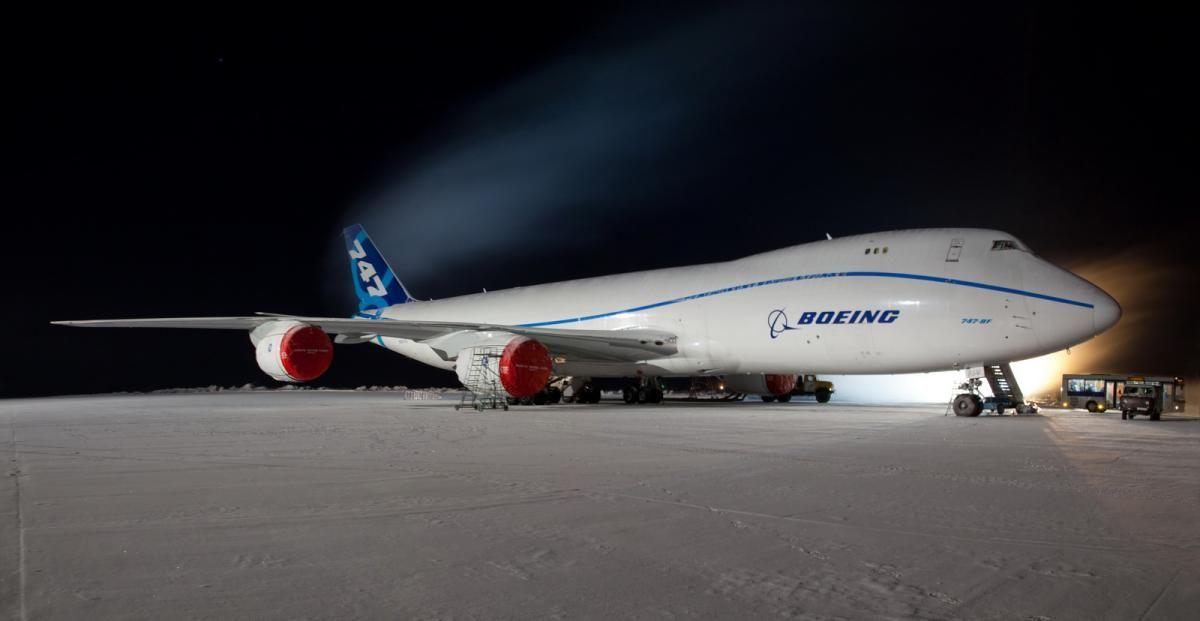 Boeing-747-8F_Pano_1600.jpg