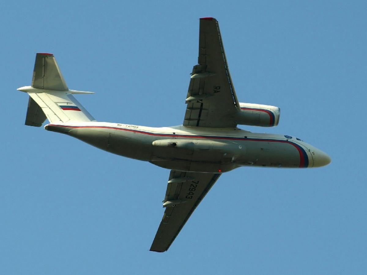 Ан-72 RF-72502 RA-72943 1.jpg
