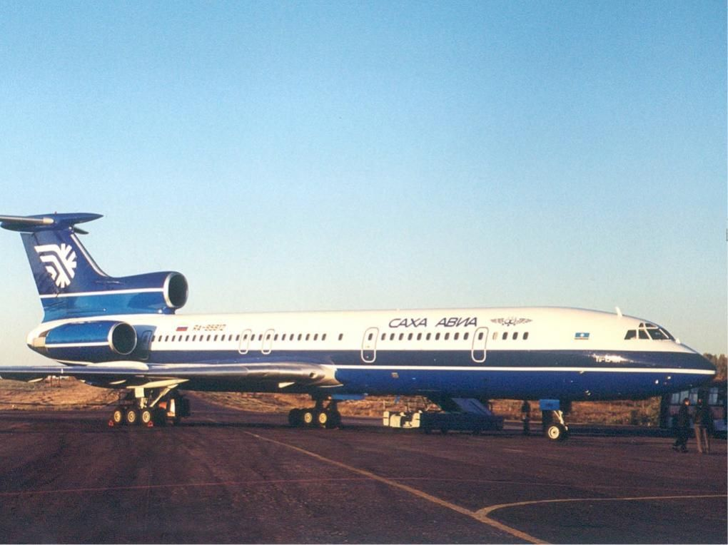 Sakha_Avia_Tupolev_Tu-154M_Osokin.jpg