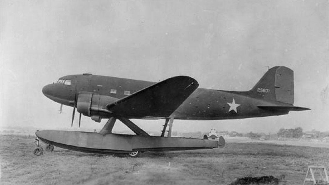 42-5671_DouglasXC-47C.jpg