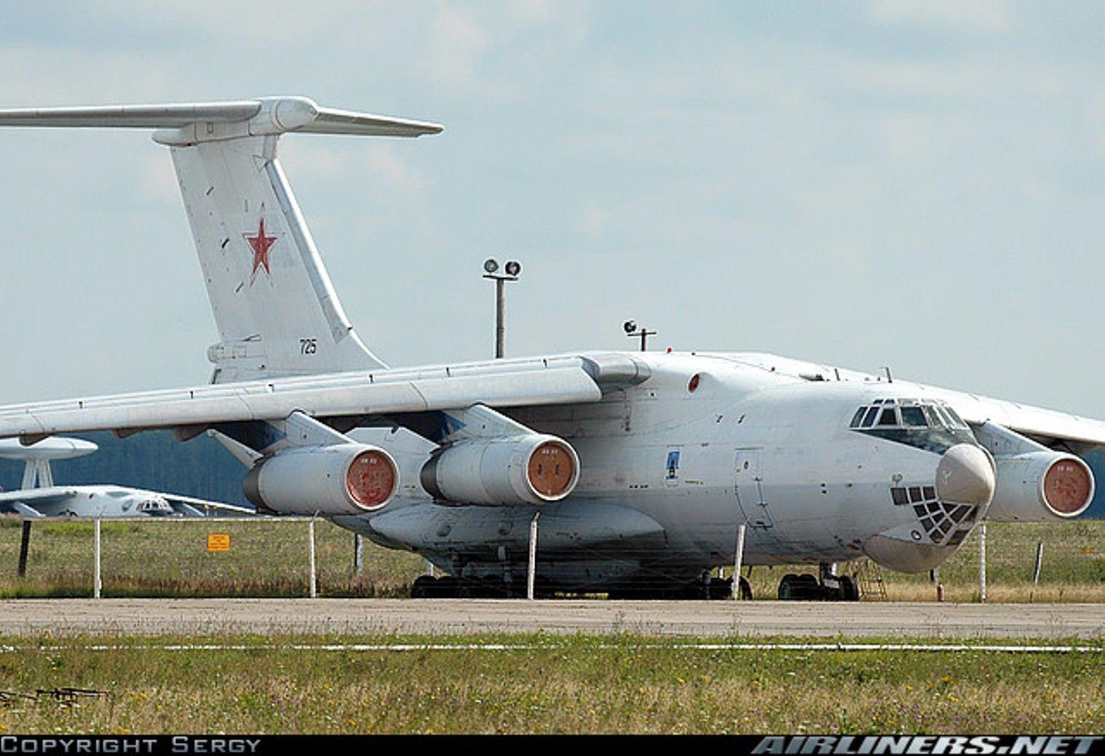 Ил-76 бн 725 черный.jpg
