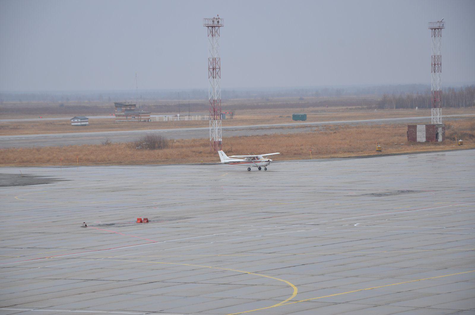 Cessna C-172N RA-2142G 4.JPG